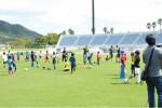 子どもたちがスペイン流サッカーを体験 レアル・マドリードの元選手が特別指導