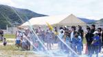 恒例の水ロケットコンテストに総勢200人近くが集まる