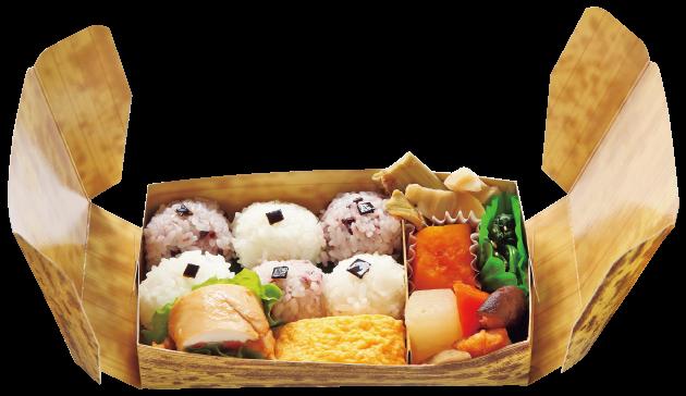 「六文銭弁当」700円おにぎりを六文銭に見立てた弁当。九度山で採れた山菜や野菜がたっぷり(8人から注文可、3日前までに要予約)。