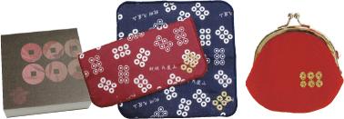 オリジナル真田グッズブロックメモ378円、ハンカチ1枚432円、がまぐち864円