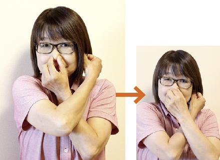 2.右手と左手を入れ替えます。左手で鼻をつまみ、右手で左の耳たぶをつまみます。手の交差の前後を入れ替えて、もう一度つまみ直します。同じようにリズミカルに