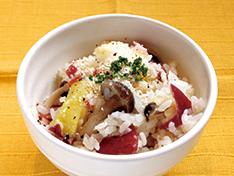 サツマイモの洋風炊き込みご飯