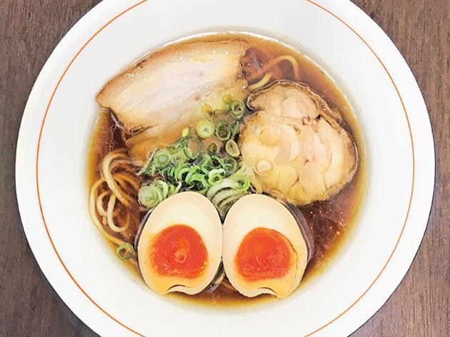 自家製麺と化学調味料不使用の 鶏と魚介で作るこだわりのスープが自慢
