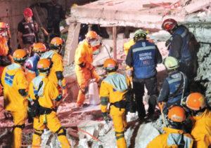 ブレターニャ通り(メキシコ市)での救助の様子(写真提供=JICA)