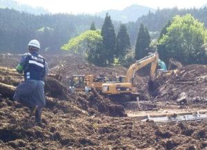 あったはずの宅地が土砂で流され調査不能の現場。