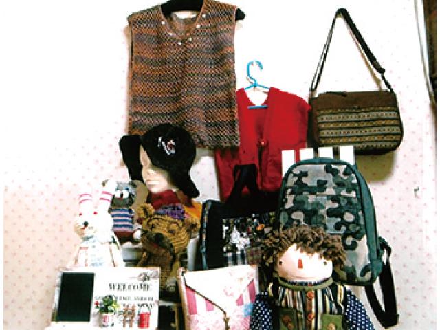 布バッグと毛糸小物の二人展