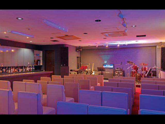 人気のライブハウスが移転 充実の設備でより一層盛り上がろう!