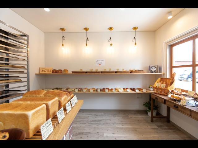 体にやさしい素材にこだわって作る 人気サンドイッチ店直営のパン屋さん登場