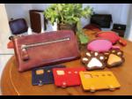 丁寧に手作りされた革細工を集めて レザークラフト・アキの展示販売ブース登場