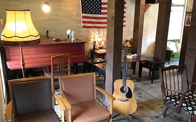 レトロなアパートを改装したカフェ 店内が3倍に広くなり、リニューアル!