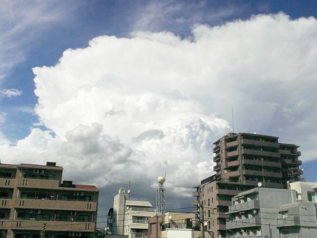夏の入道雲 急な大雨や雷⑨