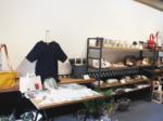 地域の技術を発信するセレクトショップ 和歌山県産の丸編みニットなどが並ぶ