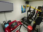 筋トレ器具が備わったカラオケルーム<br/>事前連絡で無料体験実施中