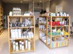 """スーパーの一角に写真と雑貨のお店<br/> スタッフが調整して美しい""""銀塩写真""""に"""