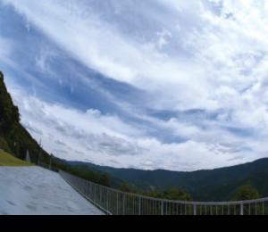 山上から眺める日中の景色もおすすめ