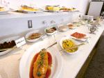 市役所の食堂が一新 創作料理をビュッフェスタイルで