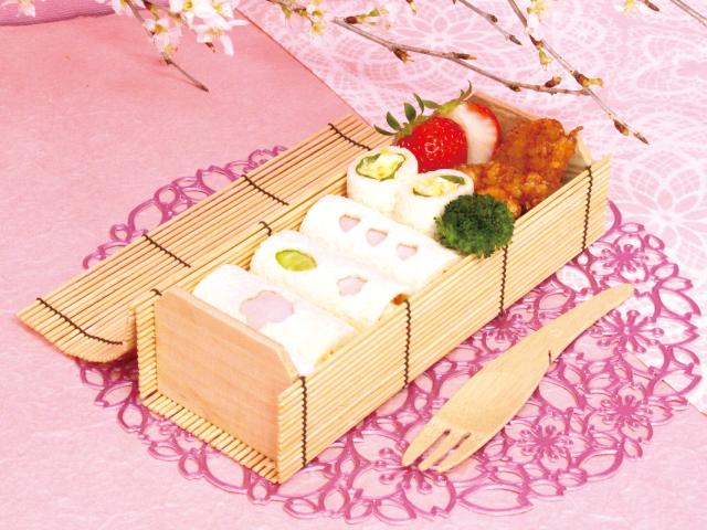 かわいい、おいしい、簡単!makimakiクッキング<br/>「ロールサンドでお花見弁当の巻」