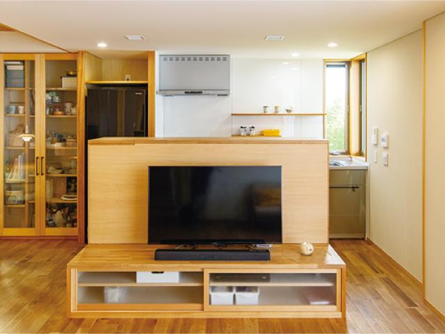 注文住宅で新築するなら家具もオーダーメ―ドで<br/>空間の質、統一感を高める<br/>ジャストフィットの造作家具