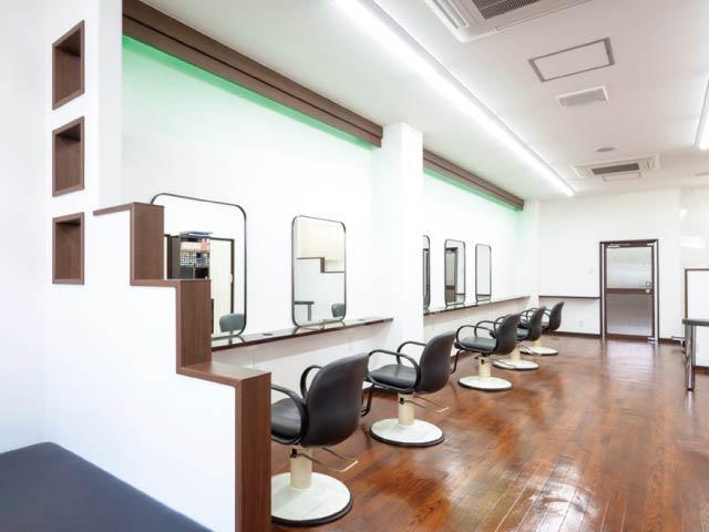 パーマの早朝割引が好評の美容室 JR和歌山駅中央口から東口へ